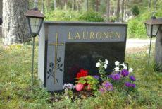 Perinteiset hautakivet